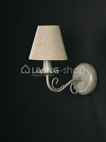 brocante-wandlamp-julie-met-lampenkapje
