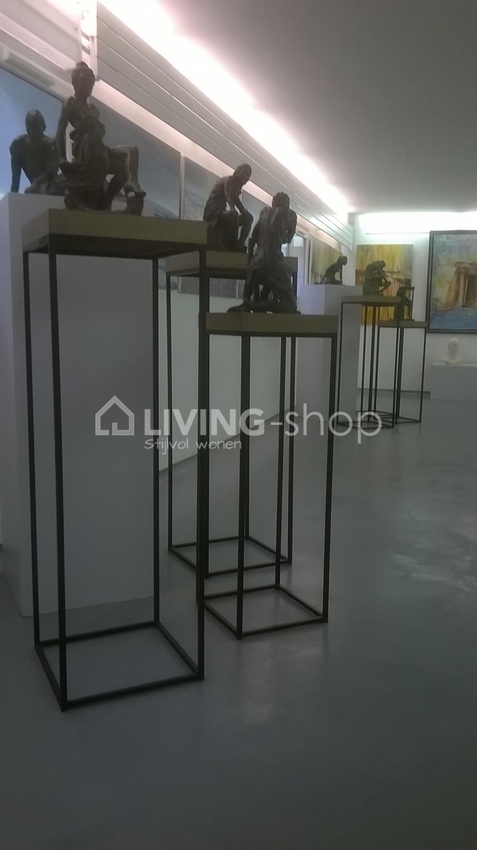 hoge-bijzettafels-loft-stijl-staanders
