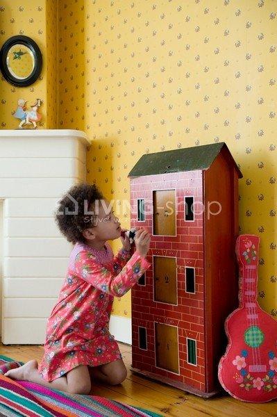 vrolijke-rock-gitaar-kussen-voor-meisjes-room-seven