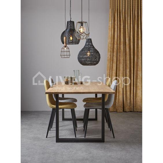 loft-stijl-eiken-tafel-met-u-vorm-metalen-poten
