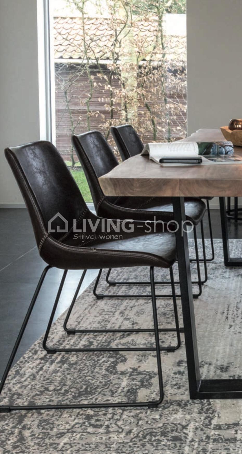 Landelijke eetkamerstoelen leer en metaal bij living shop for Eetkamerstoel hout met leer