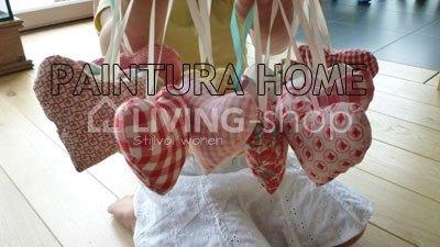set-van-18-harten-hangers-voor-de-meisjeskamer-van-room-seven-collectie