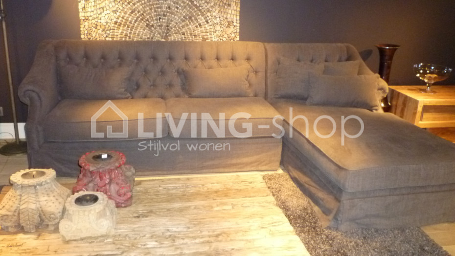 charmante-chesterfield-sofa-met-longchair-in-stoffen
